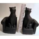 Serres-livres 2 chats noirs sur un canapé